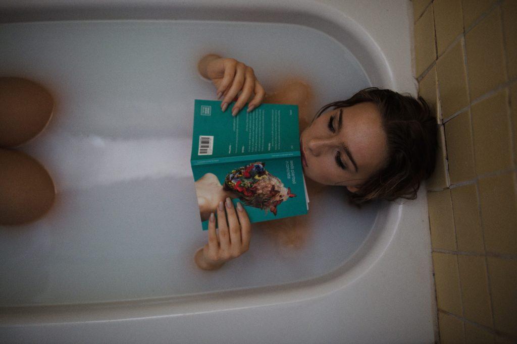 お風呂女性画像