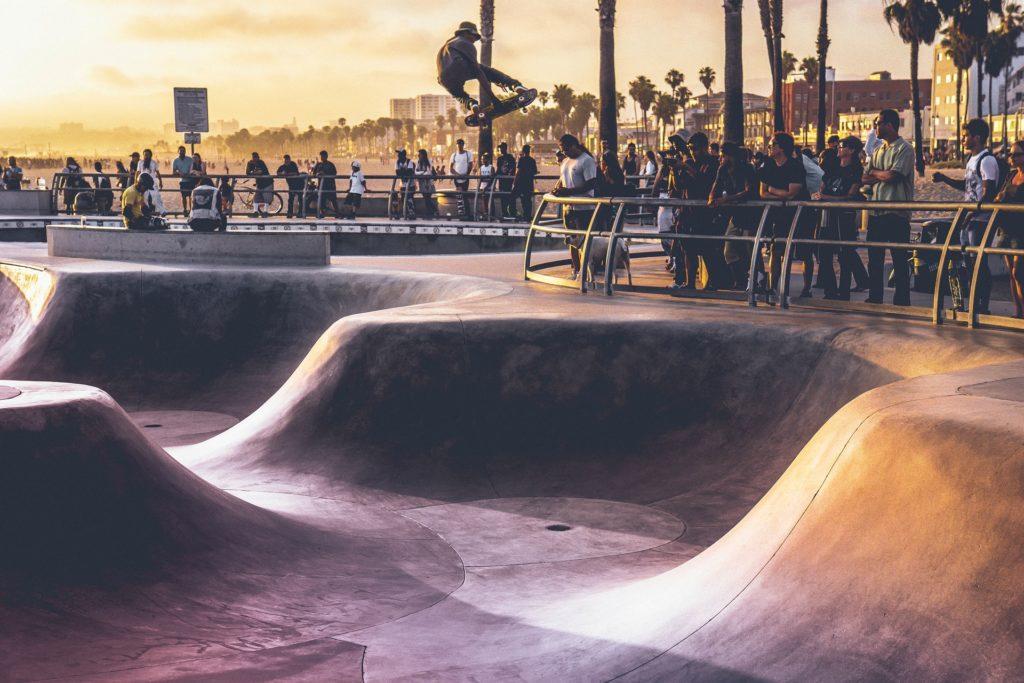 スケートボード公園