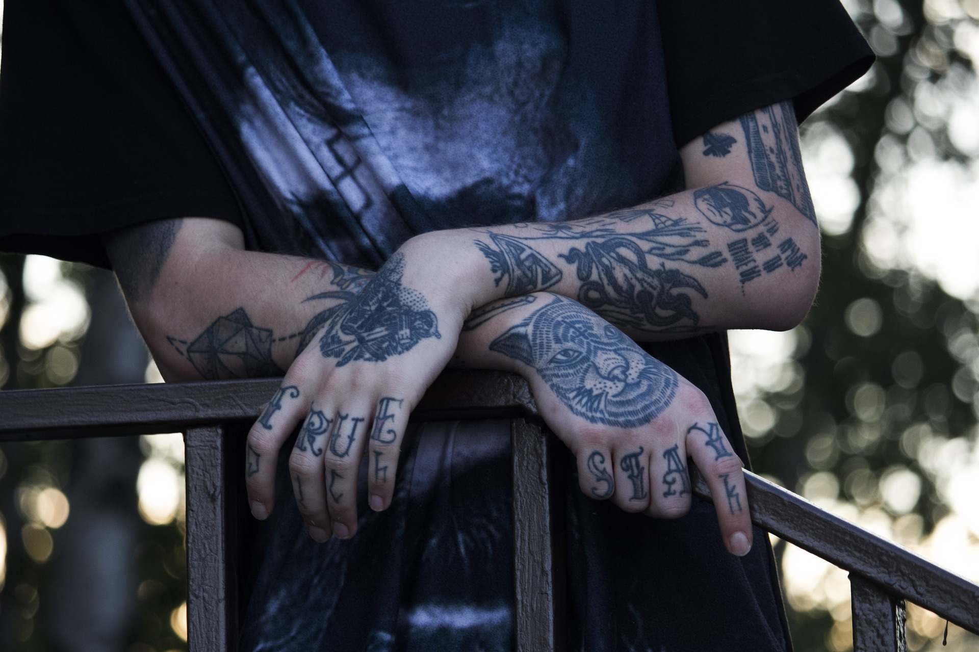 タトゥー男性画像